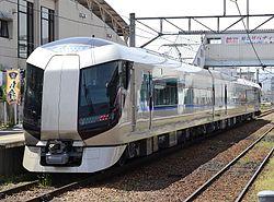 Tobu_railway_500_kei_aizutajima_station
